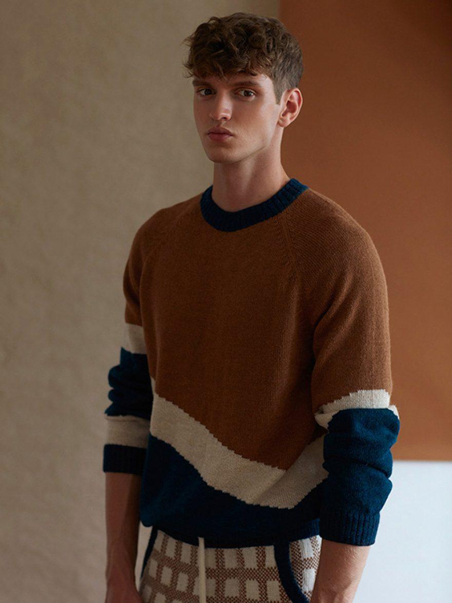 Sweater_Maras_camel_1_AMA