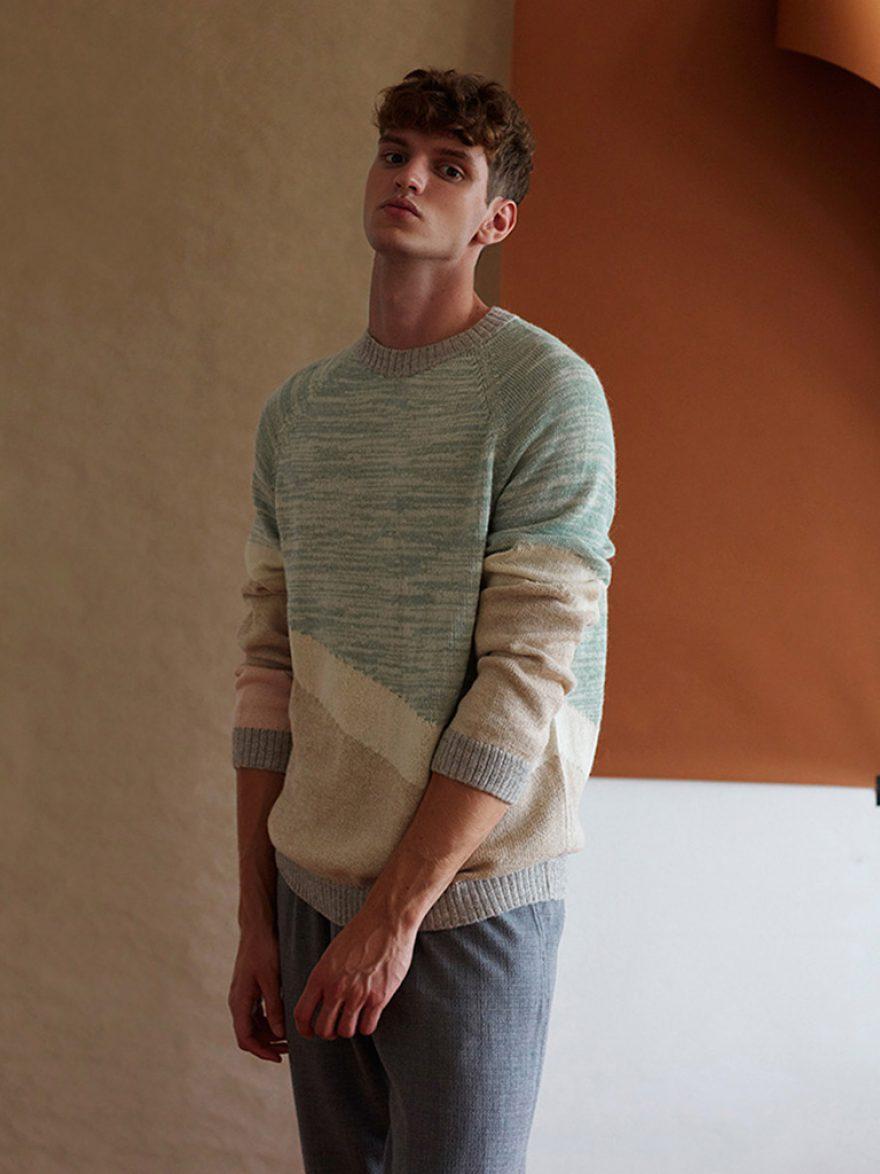 Sweater_Maras_nude_1_AMA